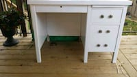 Wooden solid Desk painted white. Chatham-Kent, N8A 1K5