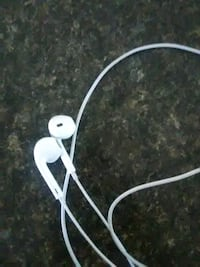 Apple earphones headphones new 55 km