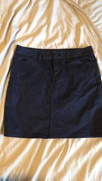 Tommy Hilfiger Size s/m navy blue skirt Pointe-Claire, H9R 2J3