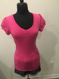New pink lace top size M Oakville
