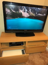 40 in. MAGNAVOX Tv with Tv Stand Gaithersburg, 20879