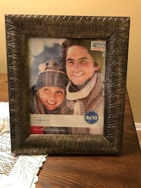 """Bronze/ gold 8x10"""" picture frame with engraved leaf detail Las Vegas, 89119"""