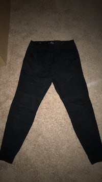 Hollister Men's XS Black Joggers Chantilly, 20151