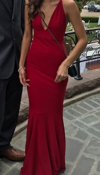 Red gown Paramount, 90723