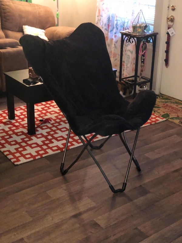 Marvelous Used Black Fold Up Chair And Cover For Sale In Lubbock Letgo Squirreltailoven Fun Painted Chair Ideas Images Squirreltailovenorg