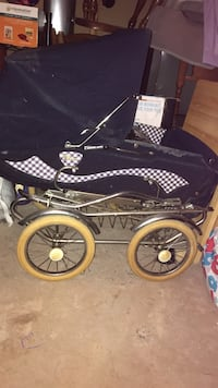 Blue and white Prego carriage