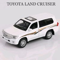 toyota land cruiser oyuncak araba
