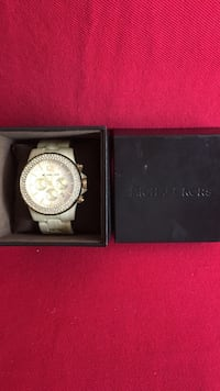 Michael Kors Woman's Watch 10/10 Toronto, M5R 2W7