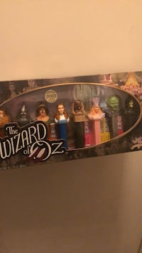 Wizard of  Oz collecor pez set never opened Chantilly, 20152