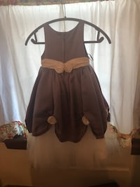Girls Fancy Gown Size 4 Bayonne, 07002
