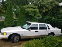 Lincoln town car Vienna