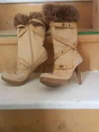pair of brown suede boots Teeswater, N0G 2S0