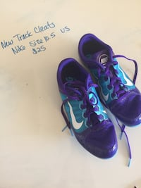 pair of purple-and-blue Nike running shoes Redding, 96003