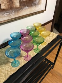 SET OF PLASTIC MARGARITA GLASSES  691 mi