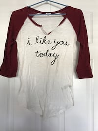 white and brown half sleeve V-neck top with I Like you today print Dartmouth, B2W 6R7