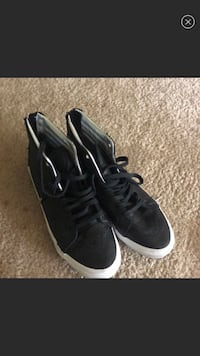 pair of black low-top sneakers Burtonsville, 20866
