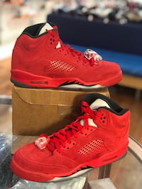 Red suede 5s size 7 Silver Spring, 20902