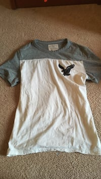 white and grey American Eagle crew-neck t-shirt