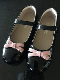 Brand new, inner and outer leather princess shoes, inner length 20.4 cm, 卡尔加里, T2X 0N9