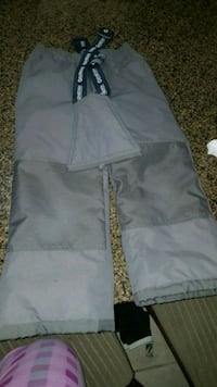 Size 6 boys snow pants like new Richmond Hill