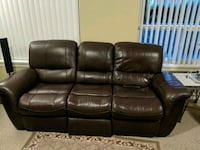 3 piece leather couch Surrey, V3T 2W6