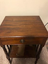 Night stand end table furniture bedroom solid wood Milwaukee, 53225