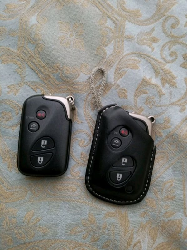 Lexus key fobs for LX, GX, RX, ES, IS 2ca6466b-c4b1-43cd-a91f-d79165868173