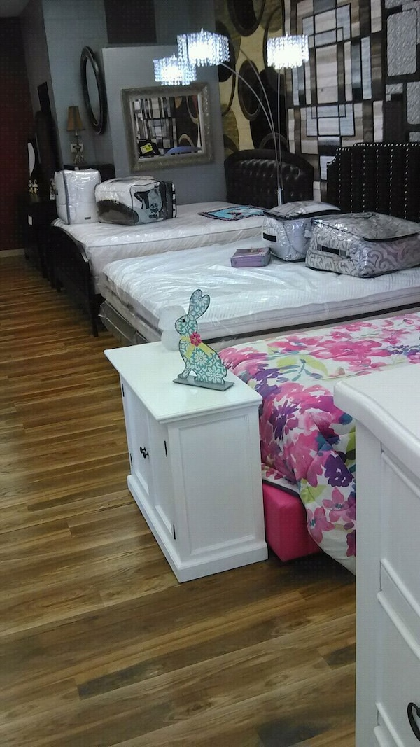 Used Girls bedroom suite for sale for sale in Indianapolis - letgo