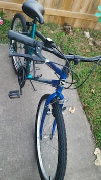 blue and black hardtail mountain bike Fort Wayne, 46825