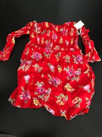 Red floral top/dress Mississauga, L5B 0H4