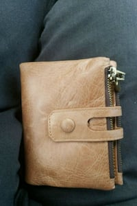 brown leather bi-fold wallet Richmond Hill, L4E 4M1