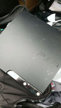 Ps3 with 1 controller and hdmi chords Wichita, 67203