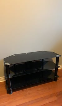 TV Stand/Entertinament Unit Strathroy-Caradoc, N7G 4J9
