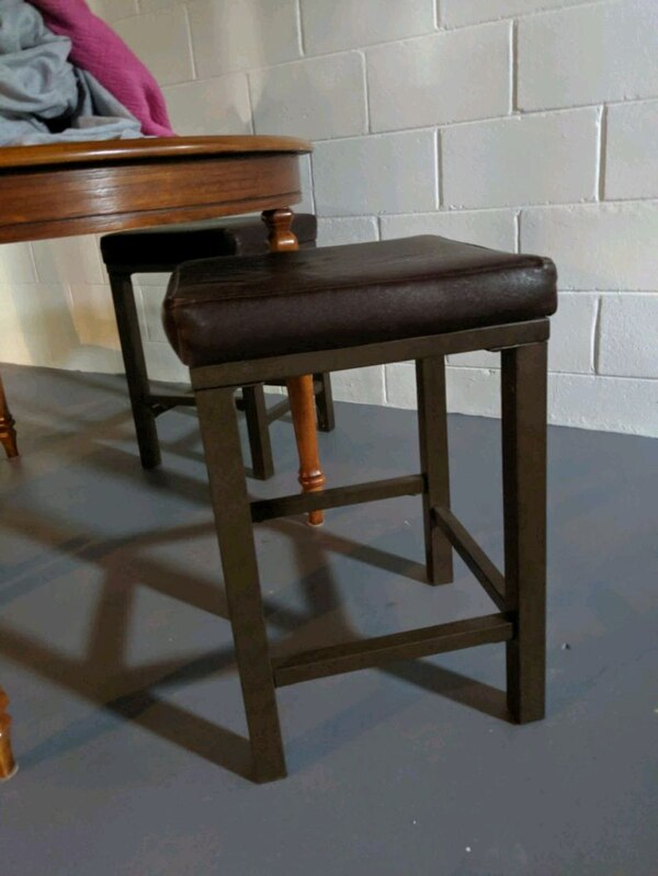 Barstools Faux Leather x3 1b555a18-468f-453c-86bc-1d062122bcac