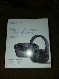 Insignia Wireless Over-the-Ear Headphone Canton, 48187
