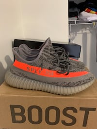 Yeezy V2 Size 10 good condition 100% authentic  Louisville, 40214