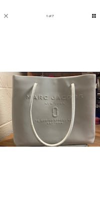 Marc Jacobs logo east/west white leather tote bag Fairfax, 22032
