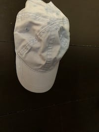White and gray fitted cap Fresno, 93722