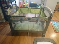 Graco Playpen with Basinet, Music Player and Light Ottawa, K1G 0N1