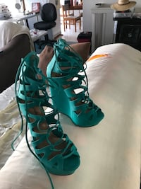 Pair of green-and-black gladiator sandals Pearl City, 96744