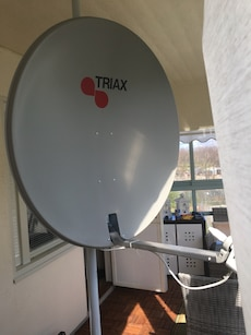 grå Triax satellit