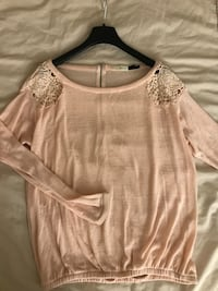 Bershka Blush Top Ottawa, K2P 0G7