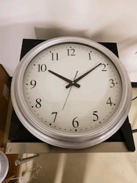 "GIANT WALL CLOCK 18"" Chicago, 60609"