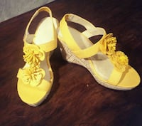 Yellow Wedge Sandals (8) Port Coquitlam, V3C 2A1