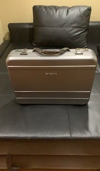 Samsonite hard laptop / briefcase.  Toronto, M4C 2E4