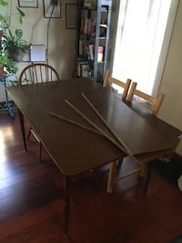 Mid-century Vintage Dining Room Table with Leaves
