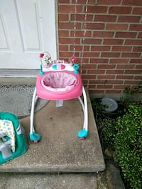 baby's pink and green swing chair Glen Burnie, 21060