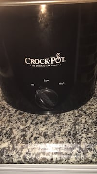 Crock pot used only once  Baytown, 77520