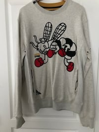 gray Mickey Mouse print sweater Burnaby, V3N 2G4