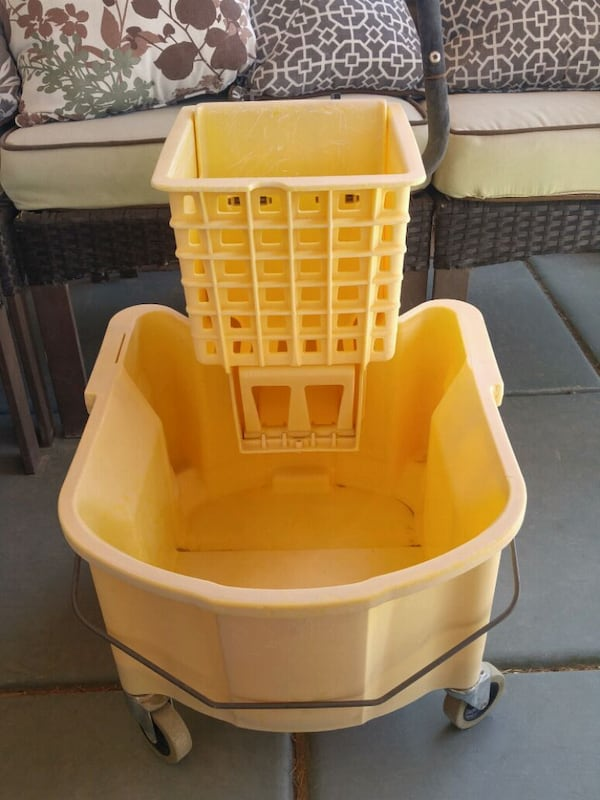 Industrial Mop Bucket 5